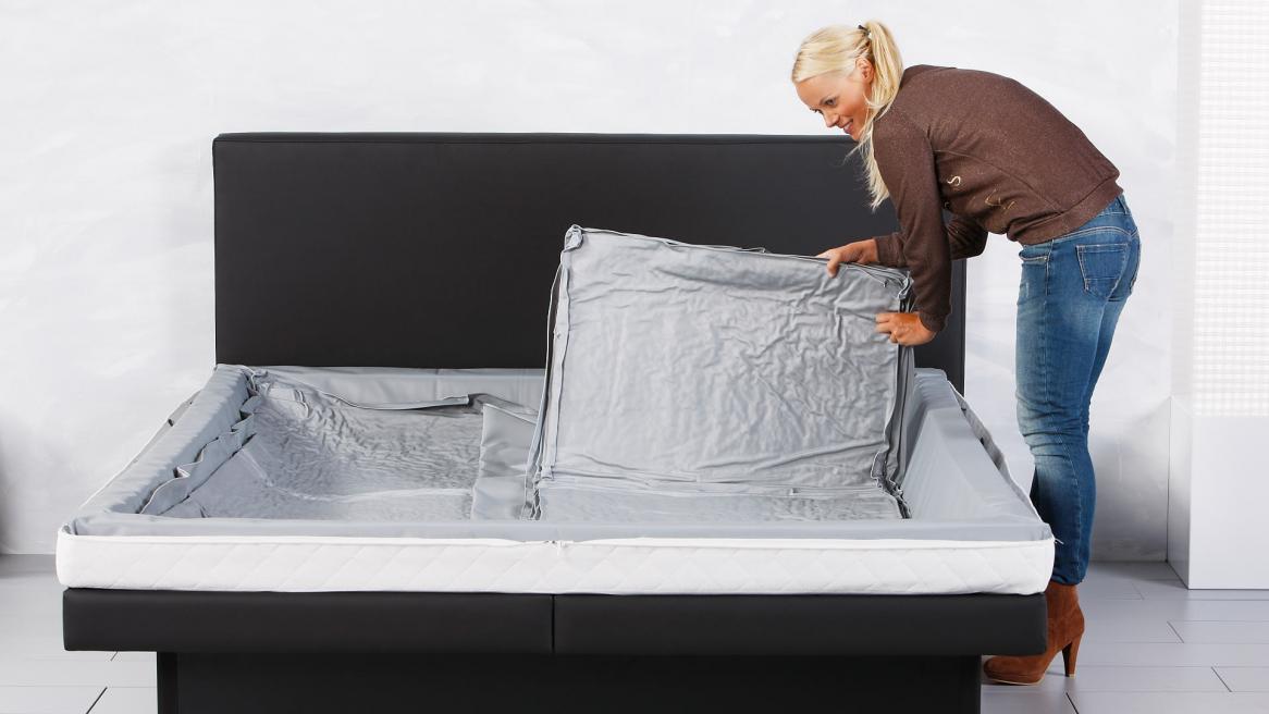 waterbed luxe watermatras rechterhelft van een duo plaatsen