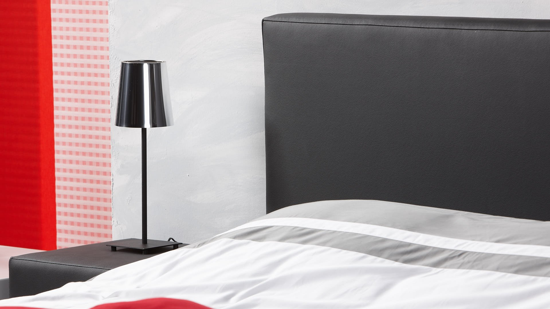 waterbed hoofdbord even breed als het bed